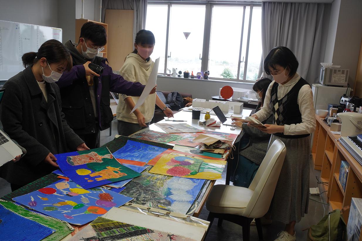 現代アーティストと武蔵野美術大学3年生のリアルな展覧会作り